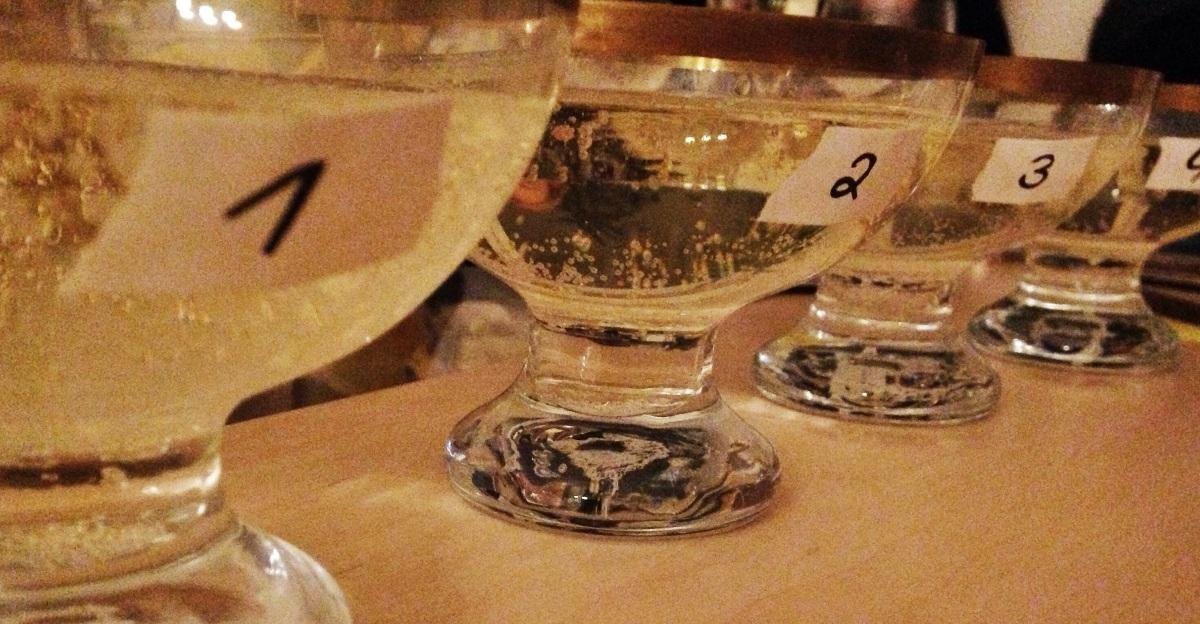 Prosecco, Spumante, Frizzante, Puffbrause - Wir testen die Hausmarken der Discounter