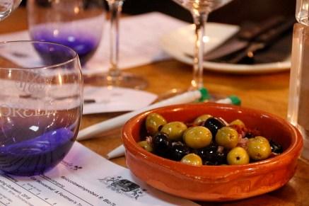 Oliven zum Apero.